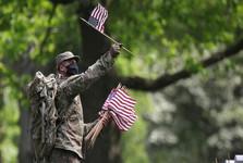 کرونا خروج نیروهای آمریکایی از افغانستان را تسریع می کند