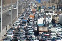 آزاد راه تهران- کرج - قزوین پرترافیک شد