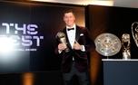 لواندوفسکی مرد سال فوتبال جهان شد/جایزه پوشکاش در دستان یک آسیایی؛ جایزه فلیک را کلوپ بُرد! +عکس و فیلم