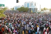 تلاش ارتش سودان برای پایان تحصن معترضان در پایتخت+عکس