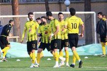 تیم فوتبال سپاهان اصفهان در دیداری دوستانه نساجی مازندران را شکست داد