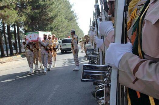 پیکر شهید اصغر سالارپور در بندرعباس تشییع شد