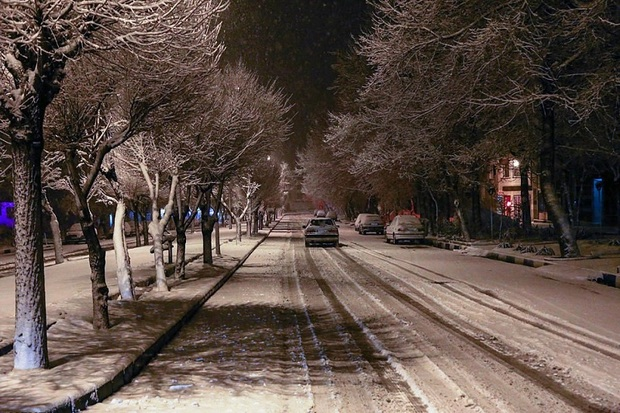 مهاباد در آستانه بهار سفیدپوش شد