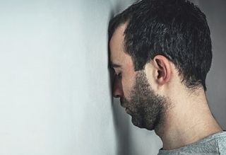 آشنایی با علائم افسردگی در مردان