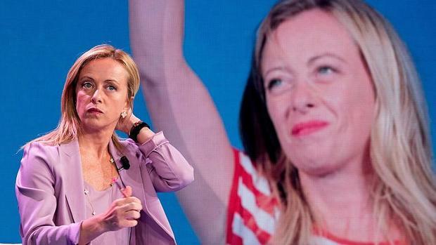 خیز یک زن برای رهبری چکمه اروپا