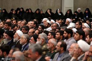 دیدار مسئولان نظام و میهمانان کنفرانس وحدت اسلامى با رهبر معظم انقلاب
