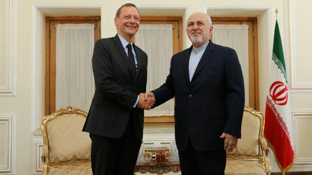 مشاور مکرون که به ایران آمده است، کیست؟