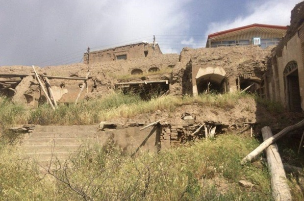 مرمت خانه ساری اصلانی کنگاور آغاز شد