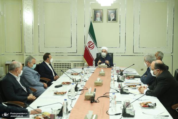 روحانی: از روز شنبه در همه شهرهایی که در وضعیت قرمز قرار میگیرند، 10 روز محدودیت اعمال میشود/ افرادی که تست آنها مثبت شده و قرنطینه را رعایت نمیکنند به مراجع قانونی معرفی و مجازات میشوند