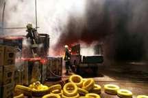 انبار کالا در شیراز آتش گرفت