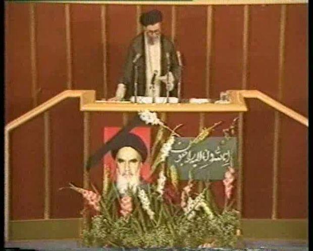 قرائت وصیت نامه امام(س) توسط حضرت آیت الله خامنه ای در مجلس شورای اسلامی