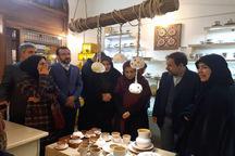 صنایع دستی و سوغات از اجزای مهم گردشگری هستند