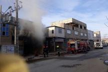 آتشسوزی در کارگاه بزرگ چوب در روستای کاظمآباد مشهد