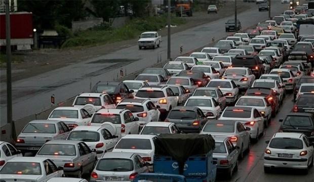 تردد کند خودروها در آزاد راه تهران - کرج - قزوین