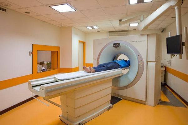 خیران در بیمارستان مهریز دستگاه سیتی اسکن مستقر کردند