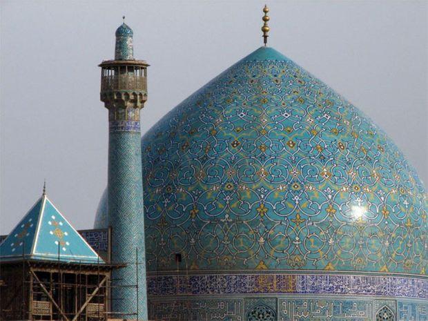 مساجد کانون و خاستگاه انقلاب اسلامی هستند
