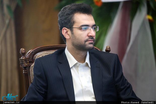 واکنش آذری جهرمی به توهین به رییس جمهور در راهپیمایی 22 بهمن
