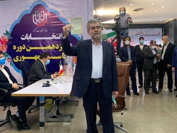 فریدون عباسی بعد از ثبتنام در انتخابات: رد صلاحیت نخواهم شد