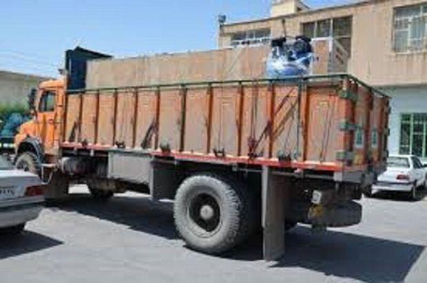 ۱۳ کامیون حامل محموله کالای قاچاق در بندرعباس توقیف شد