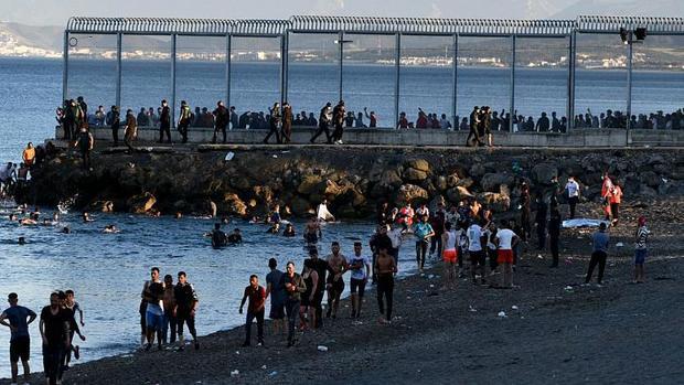 یورش هزاران مهاجر به اسپانیا