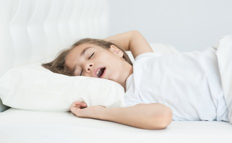 چگونه کودکان را بهتنهایی خوابیدن عادت دهیم؟