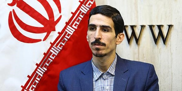 ابراز نگرانی نماینده تهران از احتمال ورود علی لاریجانی به انتخابات