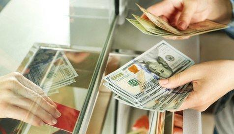 قیمت دلار در بازارهای جهانی کاهش یافت