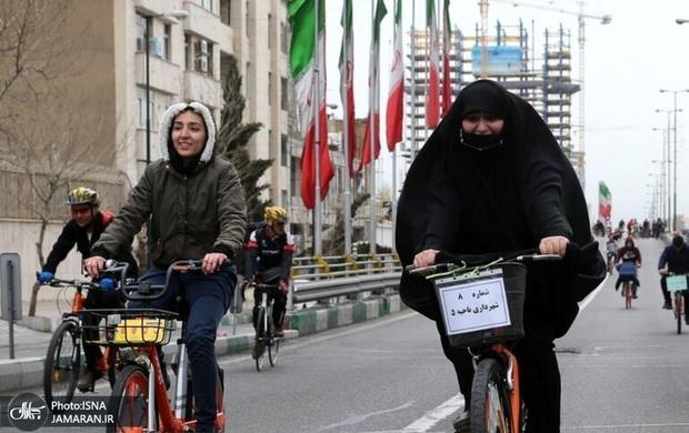 مسئول دفتر آیت الله علوی گرگانی: موتورسواری و دوچرخه سواری زن عفت جامعه را به خطر می اندازد/ فاضل میبدی: با هیچ مبنای شرعی نمی توان ثابت کرد که ورود بانوان به ورزشگاه ها، موتورسواری و دوچرخه سواری آنان حرام است