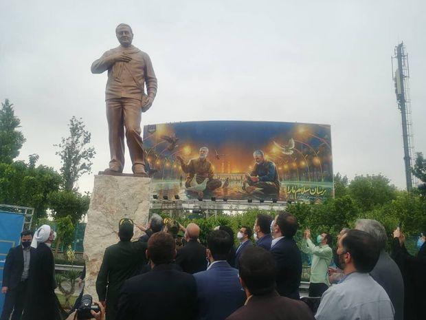 رونمایی از تندیس سردار سلیمانی در تهران + عکس