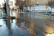 شکستگی لوله سبب آبگرفتگی یکی از خیابان های شمال اصفهان شد