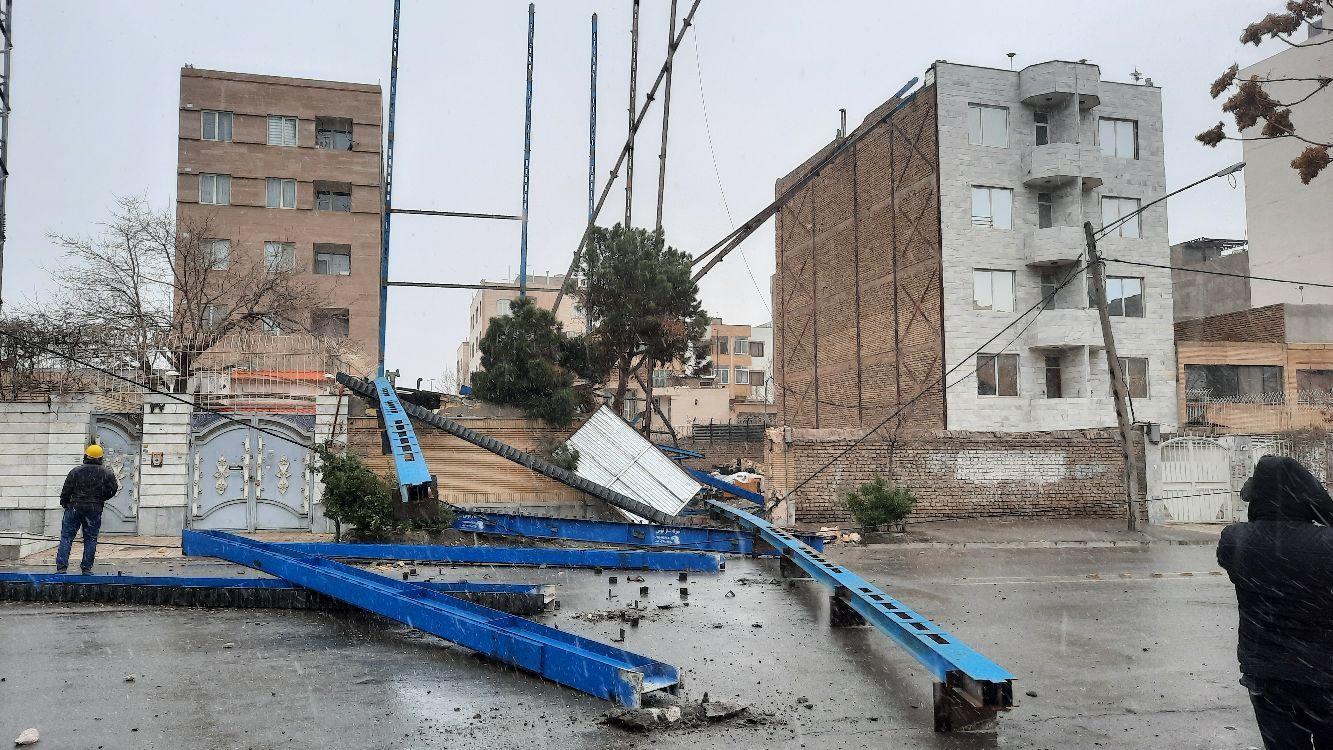 طوفان در مشهد جان یک دختر بچه هفت ساله را گرفت