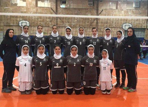 دختران والیبالیست استان چهارمحال وبختیاری در مسابقات کشوری گل کاشتند