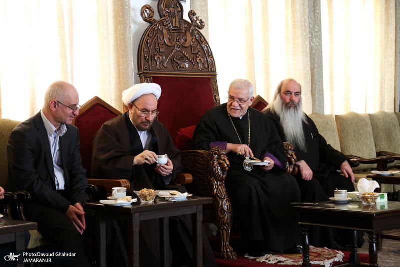دیدار علی یونسی با اسقف اعظم خلیفه ارامنه