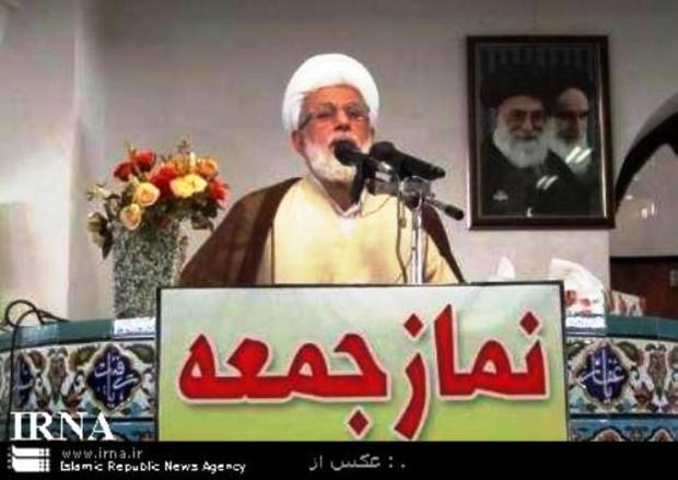 امامجمعه نوشهر: آمریکا نمیتواند مردم را از انقلاب جدا کند