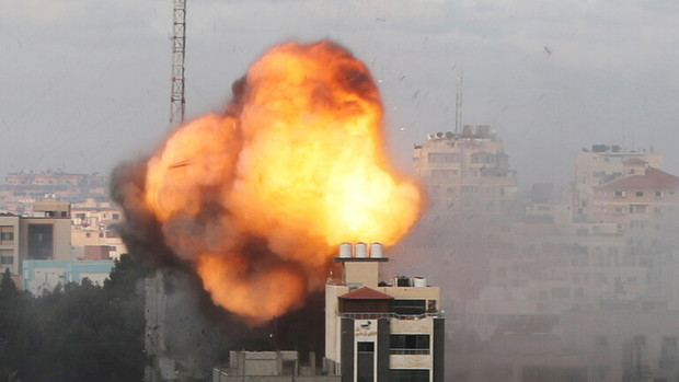 حمله مبارزان فلسطینی به نیروهای اشغالگر در کرانه باختری/238 شهید و 6هزار زخمی