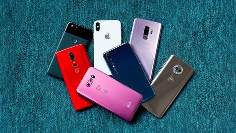 آغاز ریزش قیمتها در بازار گوشی تلفن همراه/ کدام برندها ارزان شدند؟