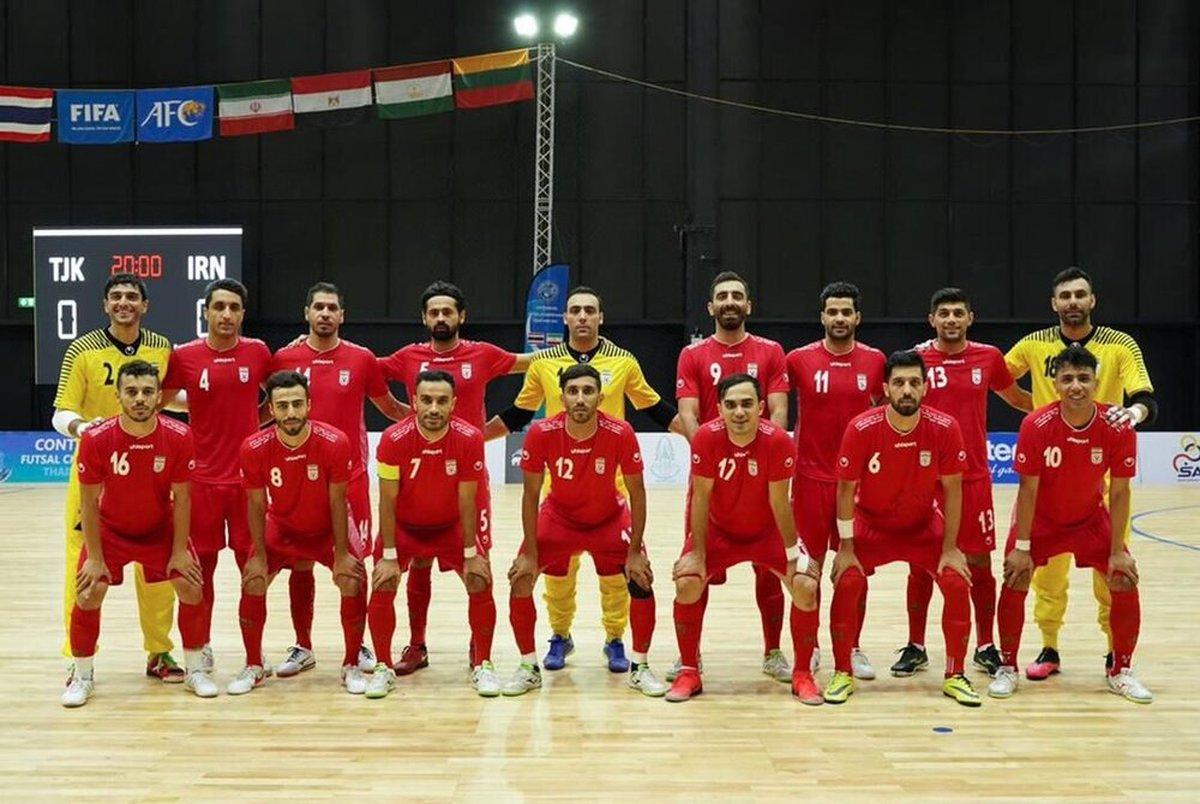 ایران نگین فوتسال جهان است/ پُز تیم ملی را می دهند اما به آن توجه نمی کنند