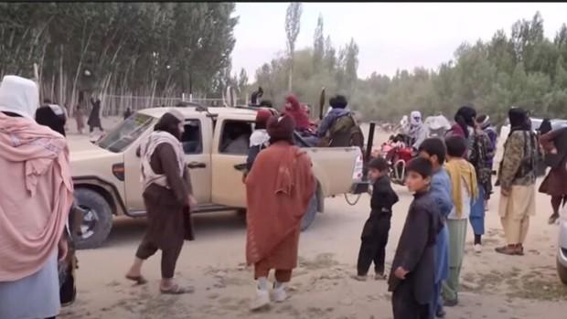 اشغال 150 منطقه افغانستان توسط طالبان/ ترور هدفمند خلبانان افغانی
