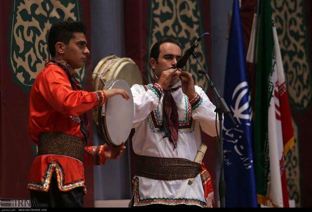 هنرمندان شیروانی و کشوری در شیروان برنامه اجرا میکنند