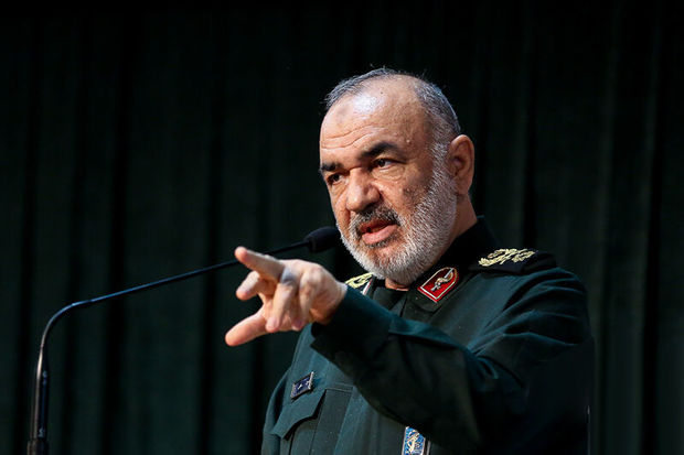 سردار سلامی به کرمانشاه سفر کرد