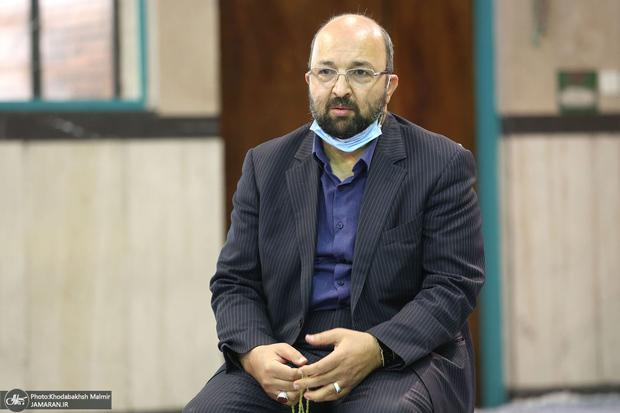 انتقاد شدید جواد امام از اصولگرایان به خاطر استفاده انتخاباتی از فایل صوتی ظریف