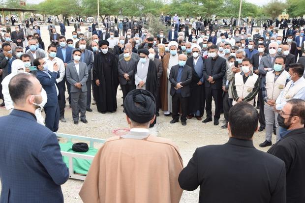 تصاویر/ مراسم خاکسپاری آیتالله سید رضی علوی در لامرد