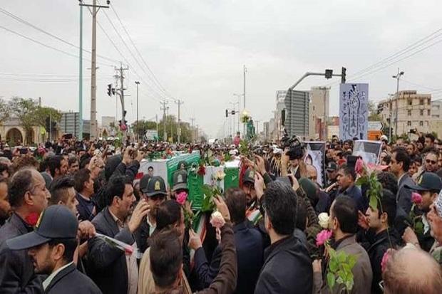 پیکرهای 2 شهید حافظ امنیت در بندر امام تشییع شدند