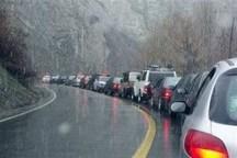 جاده های بارانی با ترافیک در مازندران