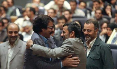 افتخاری: احمدی نژاد جوری خودش را به آغوشم انداخت که انگار یوسف گم گشته اش بودم!