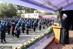 مراسم آغاز سال تحصیلی جدید با حضور روحانی