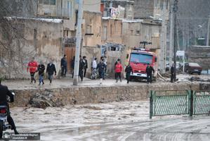 جاری شدن سیل در خرم آباد