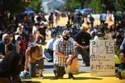 تظاهرات همزمان گروههای راست افراطی و مخالفان نژادپرستی