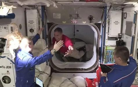 کپسول «اژدهای» فضانوردان را به ایستگاه بینالمللی فضایی رساند