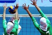 رقابت والیبال دختران دانشگاه علمی کاربردی در سمنان آغاز شد
